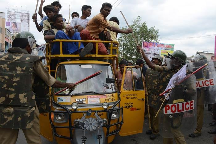 Telangana crisis: massive protests erupt across state