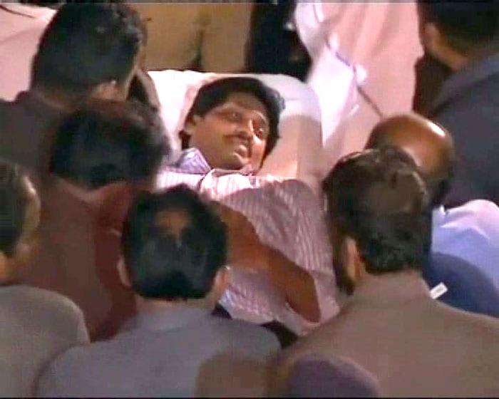 Telangana fallout: Jagan Mohan Reddy taken into preventive custody