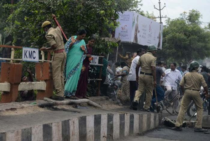 Telangana fallout: Protests, power outages and two fasts