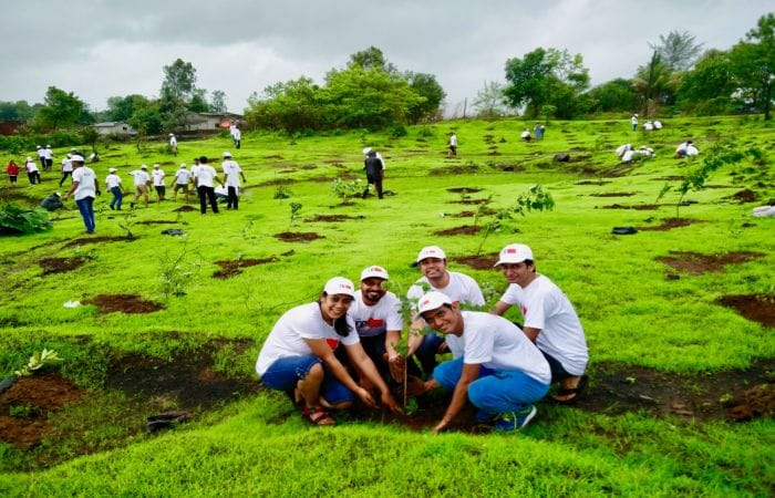 Meet The Tree Warriors On A Plantation Drive To Increase India\'s Green Cover