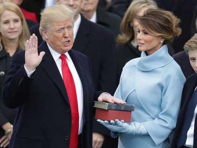 Photo : 5 Pics: The Trump Era Begins