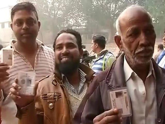 Photo : तस्वीरों में उत्तर प्रदेश विधानसभा चुनाव का तीसरे चरण का मतदान