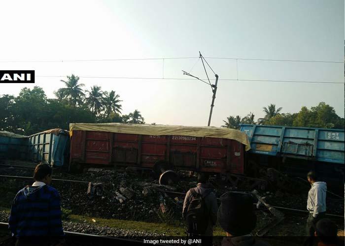उत्तर प्रदेश के चित्रकूट में ट्रेन हुई बेपटरी