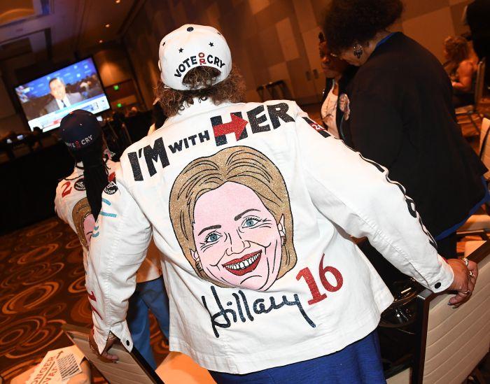 Trump vs Clinton: America Awaits Its New President