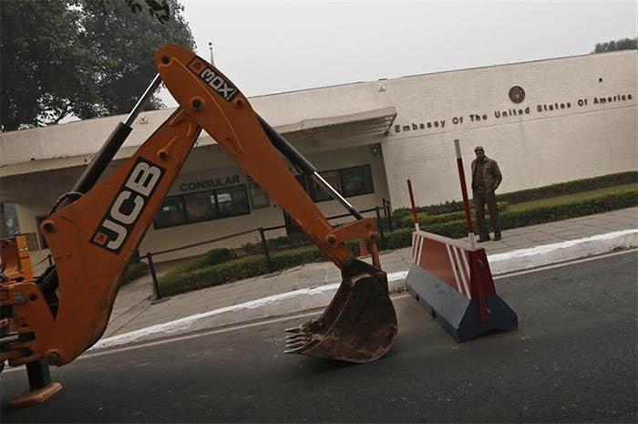 Diplomat row: Delhi Police lifts barricades outside US embassy