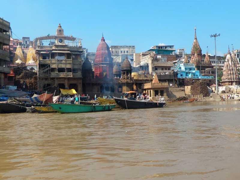 Photo : Varanasi: Banega Swachh India Cleanathon At 84 Historical Ghats