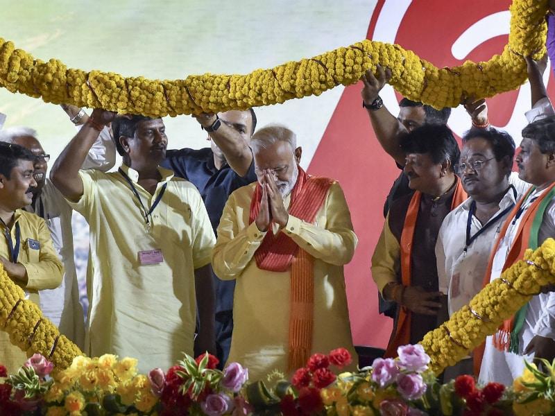 Photo : Election Results 2019: वाराणसी में नरेंद्र मोदी को बड़ी बढ़त, बीजेपी कार्यकर्ताओं में जश्न का माहौल