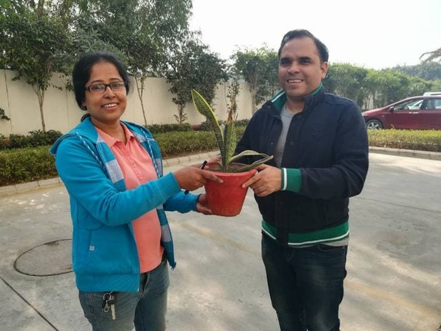 Photo : Get Rid Of Your Paper Waste In Exchange For Plants, This 39-Year-Old Noida Woman Shows How