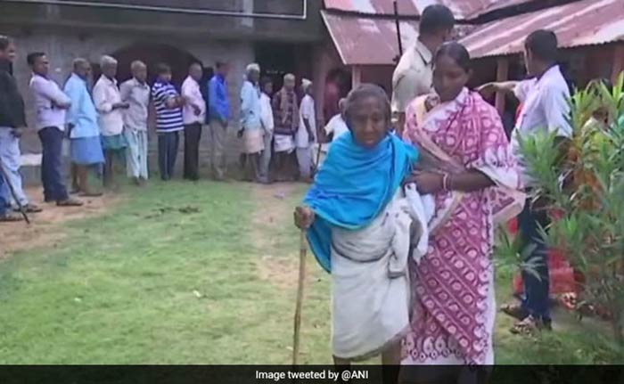 Violence In West Bengal Panchayat Elections, Media Vehicle Damaged