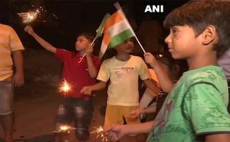 विश्व कप: भारत ने पाकिस्तान को 89 रनों से हराया, इस अंदाज में देशभर में मनाया गया जश्न
