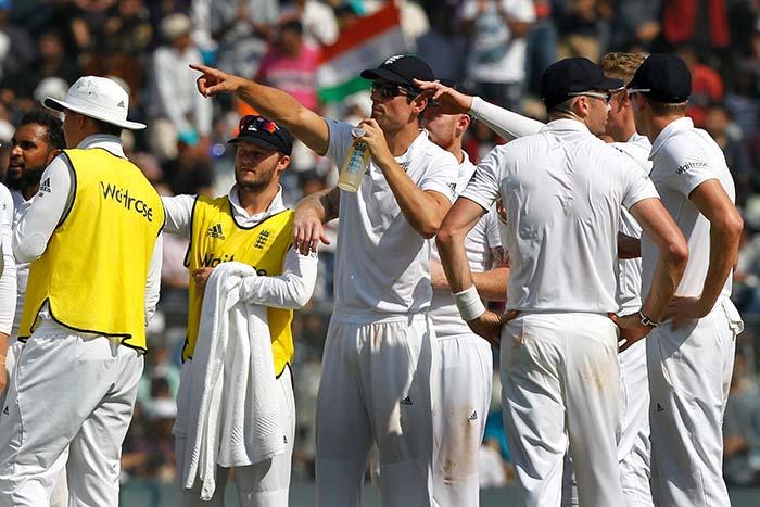 4th Test, Day 3: Murali Vijay, Virat Kohli Star as India Take Lead in Mumbai