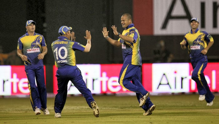 1st CLT20: RCB vs Cape Cobras