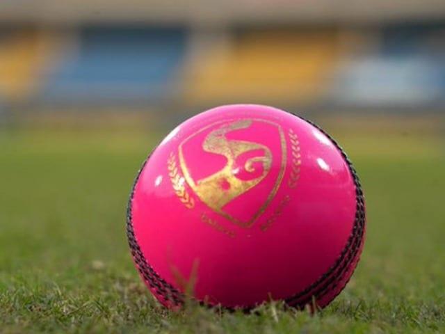 Photo : भारत का पहला डे-नाइट टेस्ट मैच आज, प्रैक्टिस  के दौरान कुछ इस अंदाज में दिखे भारतीय क्रिकेटर्स