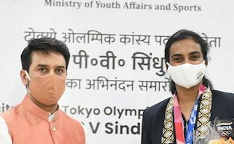 Tokyo Games: भारत की डबल ओलंपिक मेडलिस्ट पीवी सिंधु, टोक्यो से लौटने के बाद सम्मानित