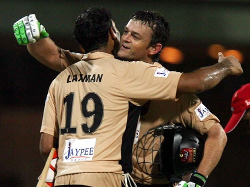 Gilchrist and Laxman's 155-run stand