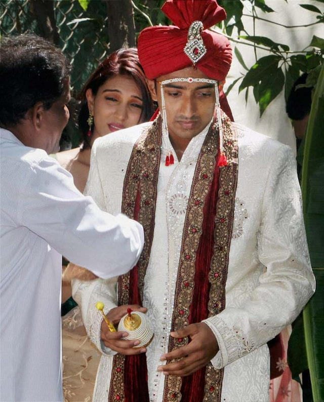 Cricketer Ankeet Chavan, arrested in spot-fixing scandal, ties the knot