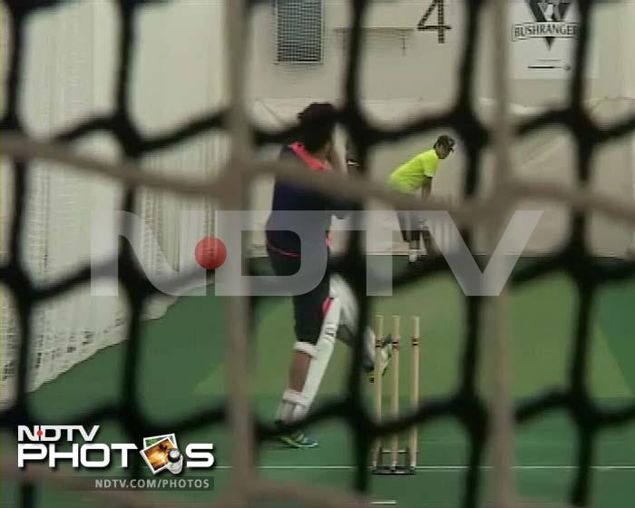 Arjun practises with Sachin, Sehwag in Melbourne
