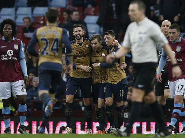 EPL: Arsenal Move to the Top of Table, Tottenham Hotspur Lose