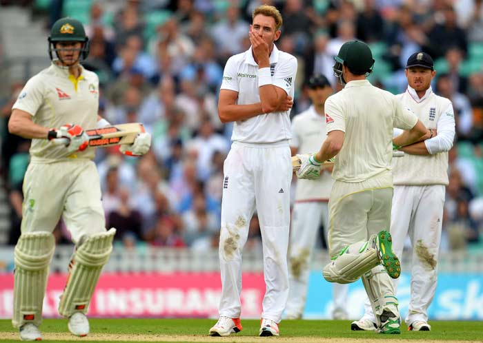 Clarke Fails in Farewell Test, Smith Takes Charge