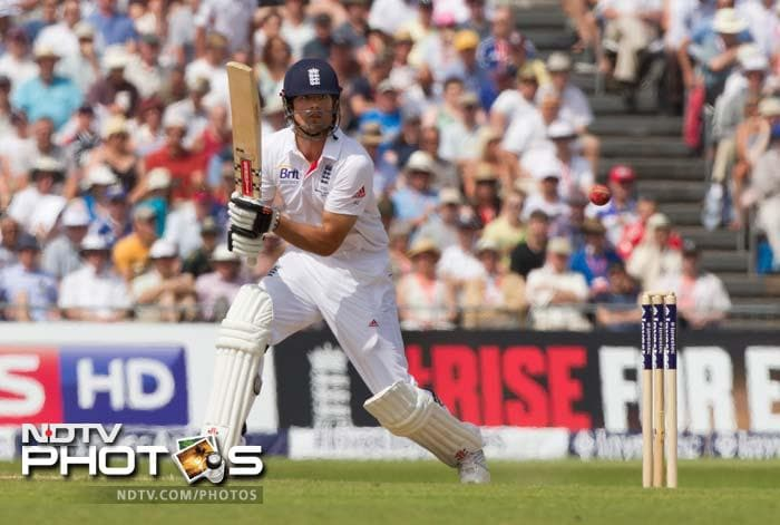 First Test Day 3: Bell, Broad steer England to safety