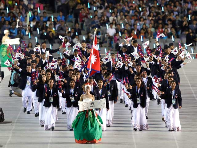 Photo : Asian Games off to Glittering Start