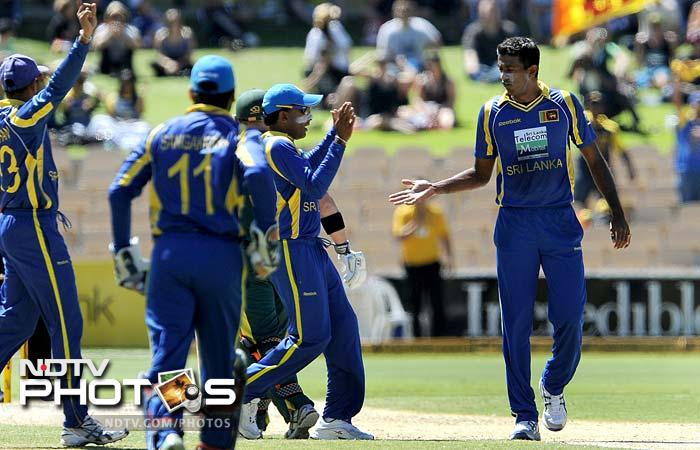 Australia beat Sri Lanka to win CB series