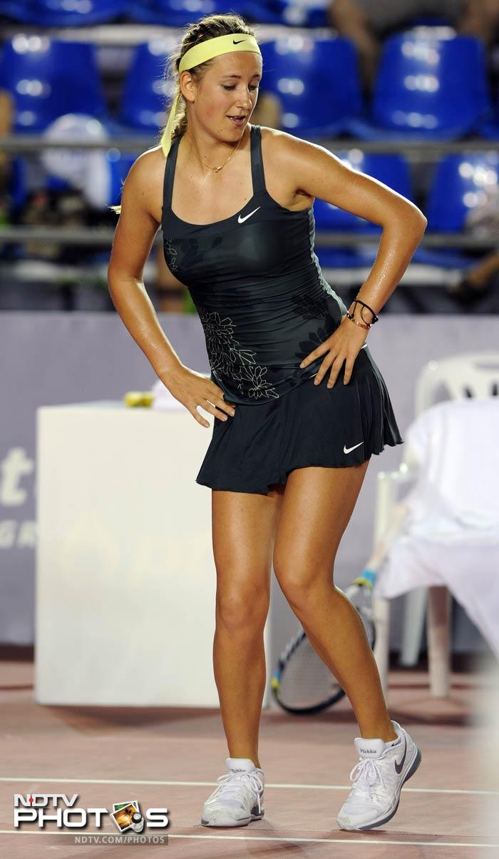 Azarenka does the cat walk