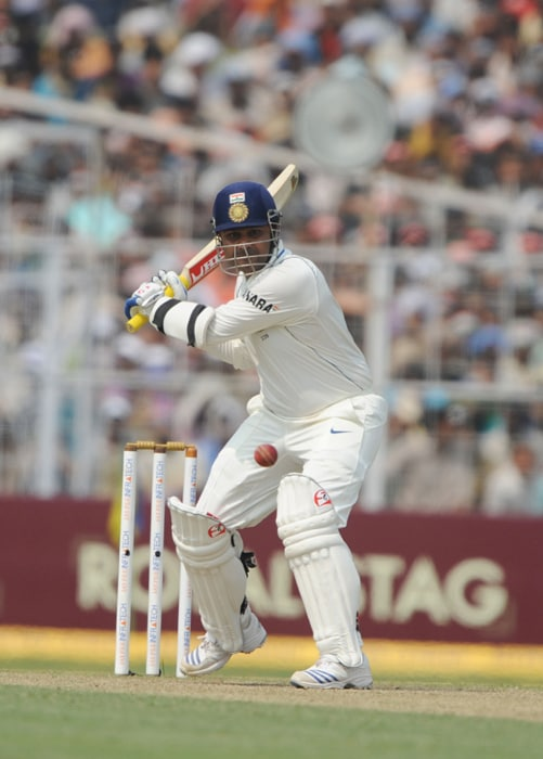 Four tons power India to commanding position