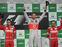 Photo : Brazilian GP: Button takes title, Vettel the Championship