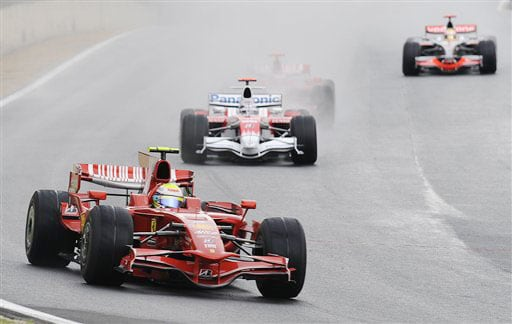 Lewis Hamilton wins 2008 F1 title