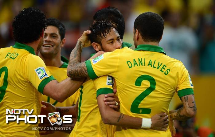 Confederations Cup: Brazil destroy Spain 3-0 to win title