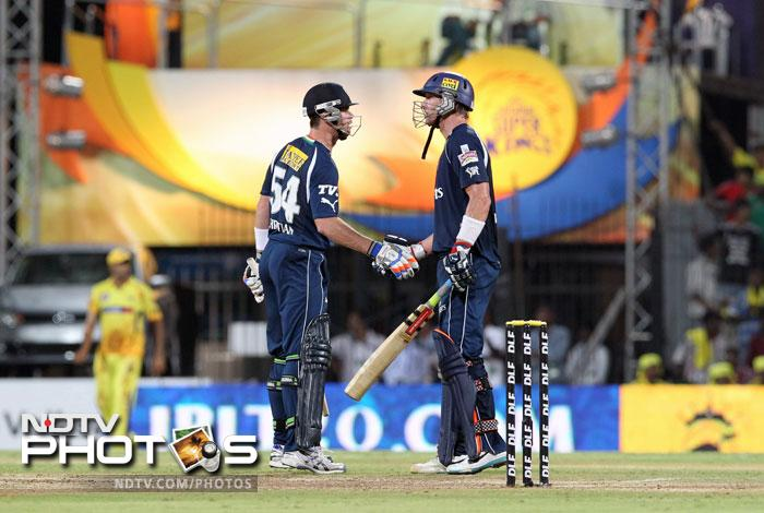 Chennai Super Kings beat Deccan Chargers by 10 runs