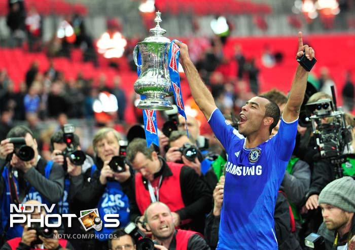 Chelsea beat Liverpool to claim FA Cup