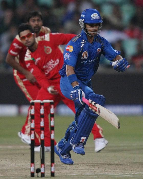 CLT20: Mumbai vs RCB