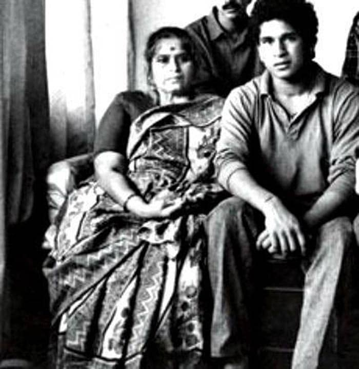 Sachin Tendulkar tweets his mother's pic on Mother's Day