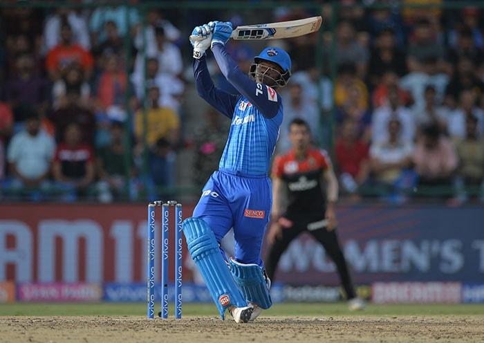 टी20 लीग: दिल्ली ने विराट कोहली की बैंगलोर को हराकर प्लेऑफ में बनाई जगह