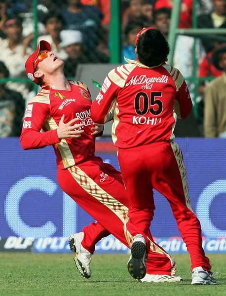 Daredevils cruise to victory against RCB