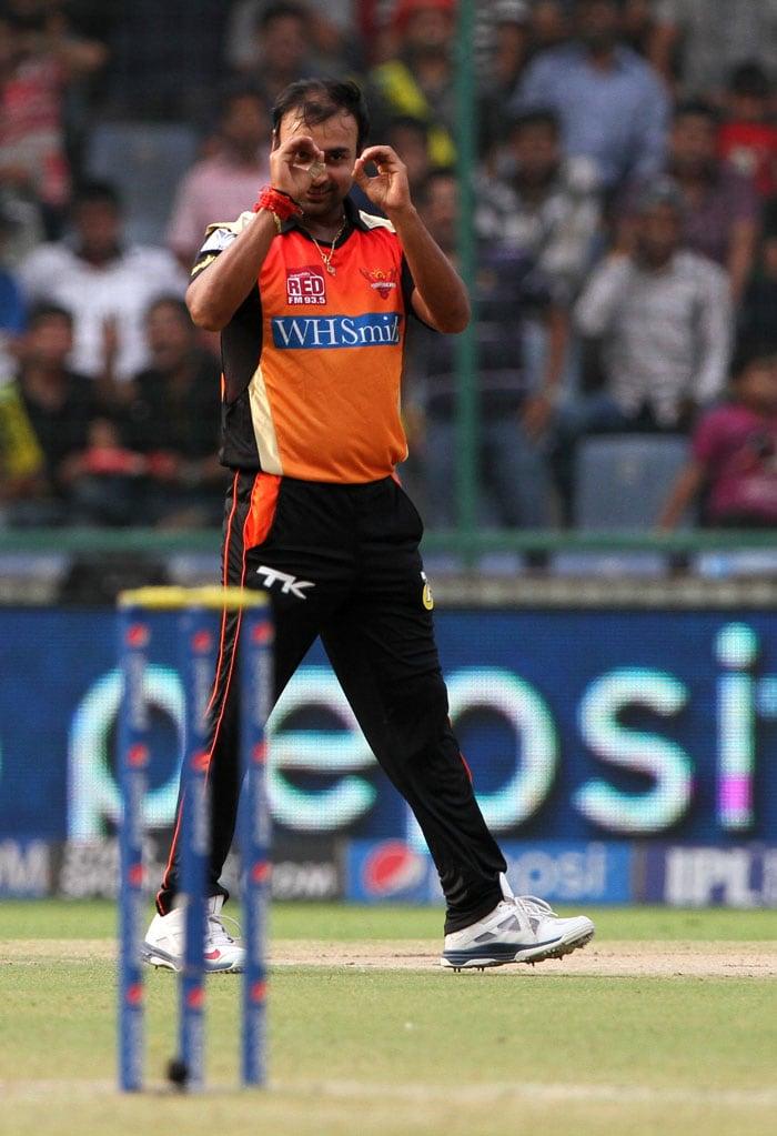 IPL 7: Hyderabad Sink ...