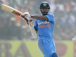 Boom-Boom Shikhar Dhawan paints Green Park red