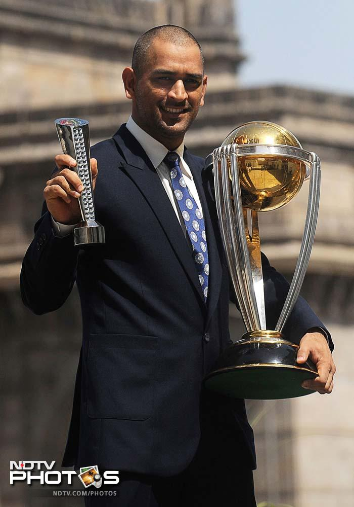30 accolades for Dhoni