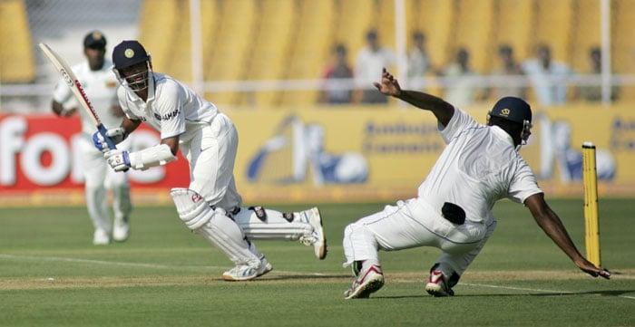 Dravid reaches 11 K Test figure