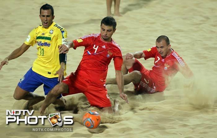 Football frenzy grips Dubai beach