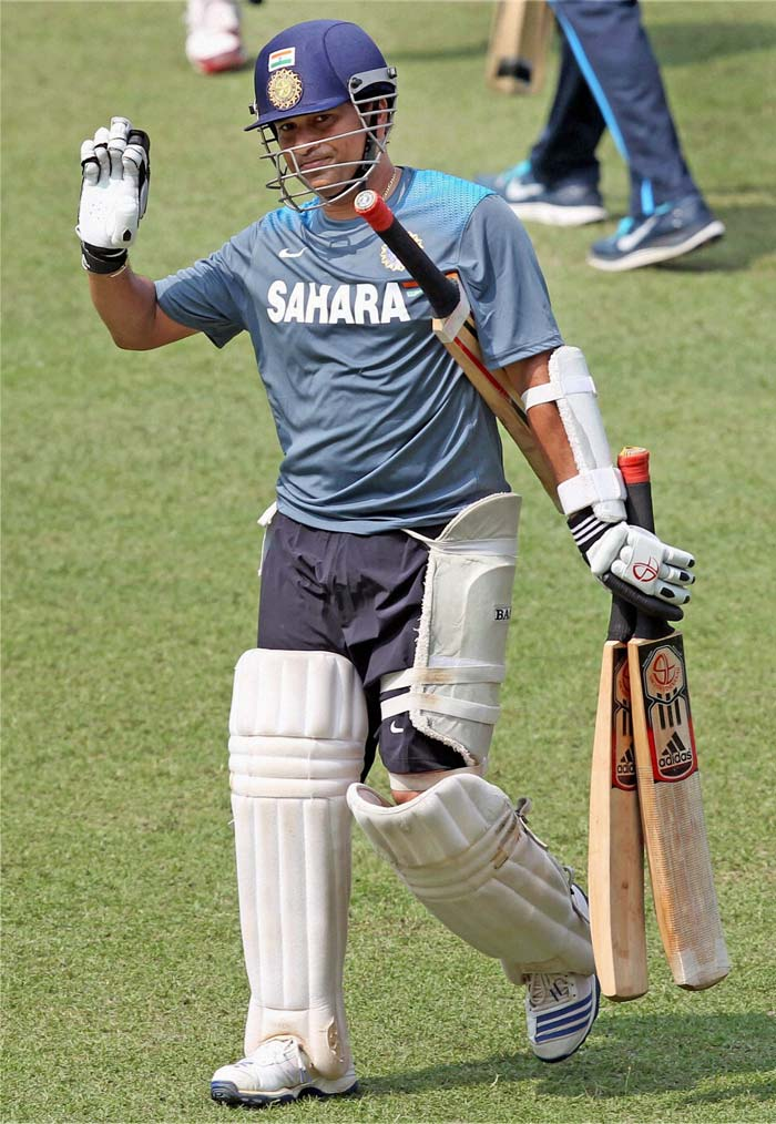 Team India sweats it out ahead of Sachin's penultimate Test