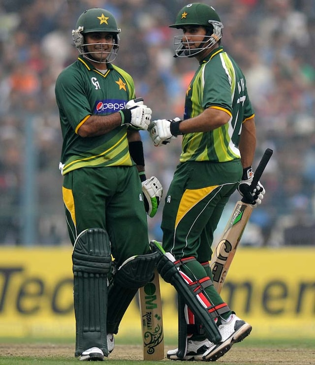 Pakistan beat India in 2nd ODI to clich series