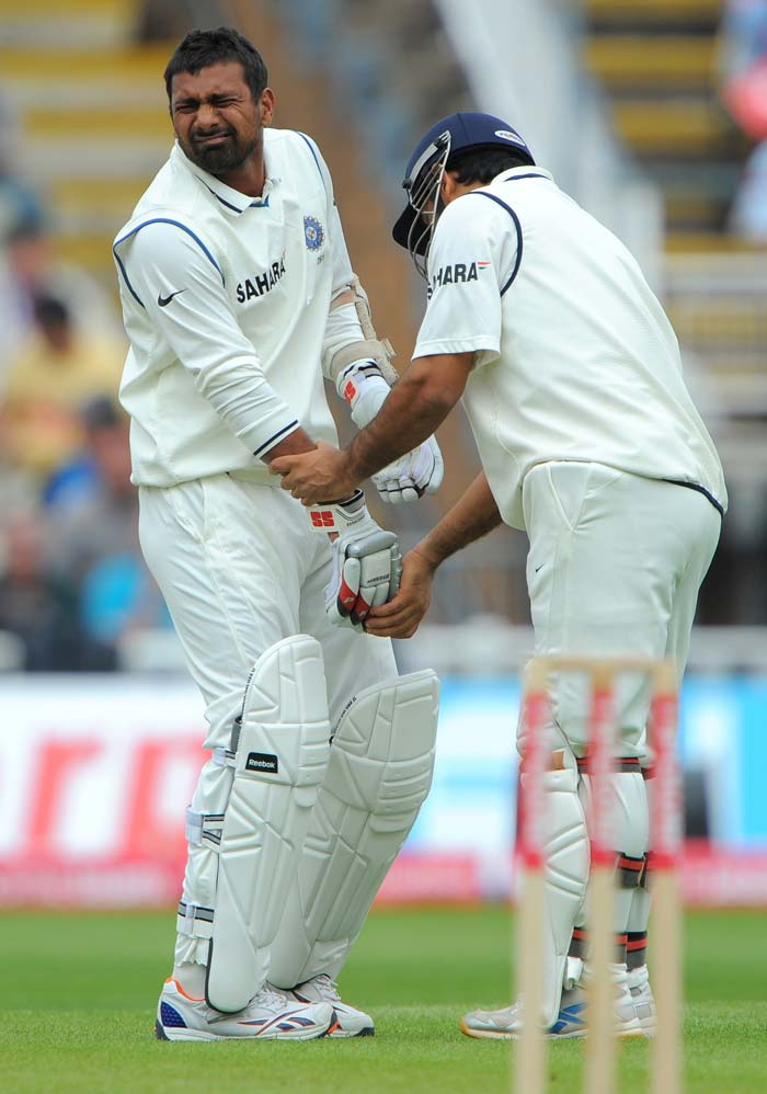 England beat India to claim top Test-spot
