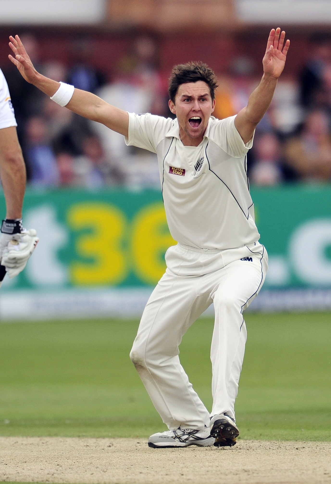 England wallop New Zealand by 247 runs to sweep Test series