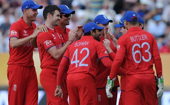 England beat Australia in pre-Ashes clash