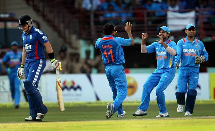 2nd ODI: Bhuvneshwar, Jadeja demolish hapless England in Kochi