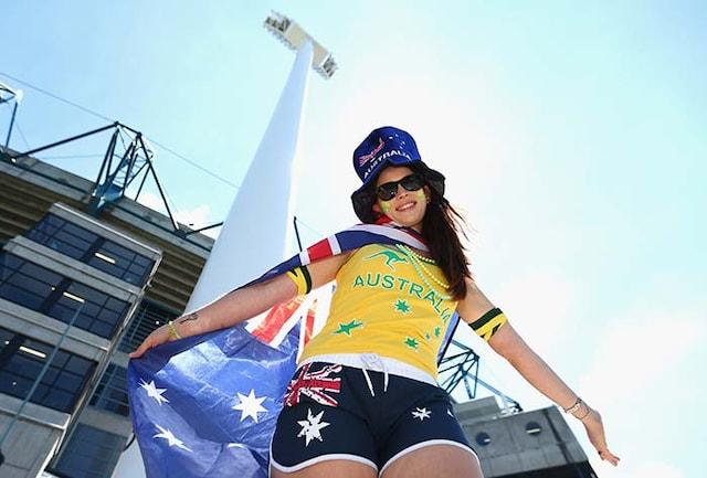 On Valentines Day, England & Aussie Fans Celebrate Cricket Rivalry