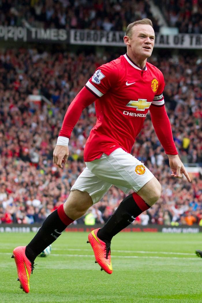 EPL: Manchester United Suffer Shock Opening Day Defeat; Tottenham, Aston Villa Win